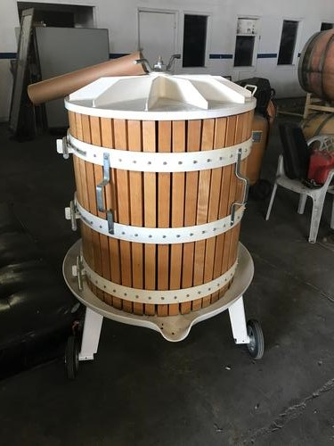 Enorossi 1- Ton Bladder Baskett press