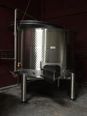 Jacketed Variable Capacity Wine Tank, 1,563 gallon